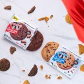 Nuestras dos 🔝 de complete cookie👇🏽  Doble chocolate y cookies choco chip   100% veganas, sin leche ni huevos y con una textura y sabor ¡ DE LOCOS ! 🤤  Podrás encontrarlas en tu tienda CerreFit más cercana o en la web 👇🏽 🌐www.cerrefit.es  #cookies #healthyfood #dietasaludable #vegano #veganfood #comidafit #comidasaludable #murcia #cerrefit