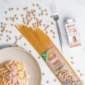 ¡ Buenas tardes FitFamily ! 🙋🏽♂️  Hoy os enseñamos una combinación deliciosa. Unimos la 𝐏𝐚𝐬𝐭𝐚 𝟏𝟎𝟎% 𝐠𝐚𝐫𝐛𝐚𝐧𝐳𝐨 de @biogra.eco y la 𝐍𝐚𝐭𝐚 𝐝𝐞 𝐚𝐧𝐚𝐜𝐚𝐫𝐝𝐨𝐬 de @ecomiloficial para hacer unos espaguetis carbonara de lo más sano 😋  Os contamos porqué hemos elegido esta combinación y es por sus grandes beneficios:  Por un lado la  𝐏𝐚𝐬𝐭𝐚 𝟏𝟎𝟎% 𝐠𝐚𝐫𝐛𝐚𝐧𝐳𝐨𝐬, no tiene gluten, es opción saludable y perfecta para celiacos, además de que es rica en proteínas y fibra.   Por otro lado la 𝐍𝐚𝐭𝐚 𝐝𝐞 𝐚𝐧𝐚𝐜𝐚𝐫𝐝𝐨𝐬, la alternativa perfecta a las natas convencionales, súper cremosa, saludable y versátil ¿se puede pedir algo más?  Consigue estos productos y su gran variedad en tu tienda CerreFit más cercana  o entrando en nuestra web👇🏽 🌐Www.cerrefit.es  #vegan #garbanzos #anacardos #singluten #nogluten #delicioso #healthyfood #ecologico #recetas #recetassaludables #murcia #cerrefit