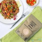 ¿ Conocéis los beneficios de la quinoa ?  Es un superalimento y buen sustitutivo del trigo 🔝  La quinoa blanca es la más rica en proteínas y la que menos carbohidratos posee   Tiene un sabor más suave y menos calorías que las otras dos variedades, Además posee más fibra que la quinoa roja, por lo que favorece nuestro sistema digestivo, ayuda a controlar los niveles de azúcar en sangre y además nos brinda una mayor sensación de saciedad 😋  La quinoa también es rica en minerales como hierro, calcio y fósforo, y en vitaminas  ¿ A qué esperas el momento para usar quinoa en tus recetas ?  Encuéntrala en tu tienda CerreFit más cercana o en la web 👇🏽 🌐www.cerrefit.es  #quinoa #healthyfood #sano #saludable #realfood #realfooding #ricorico #murcia #cerrefit